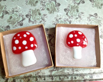 Fused Glass Fly agaric Magic Mushroom Brooch Alice in Wonderland