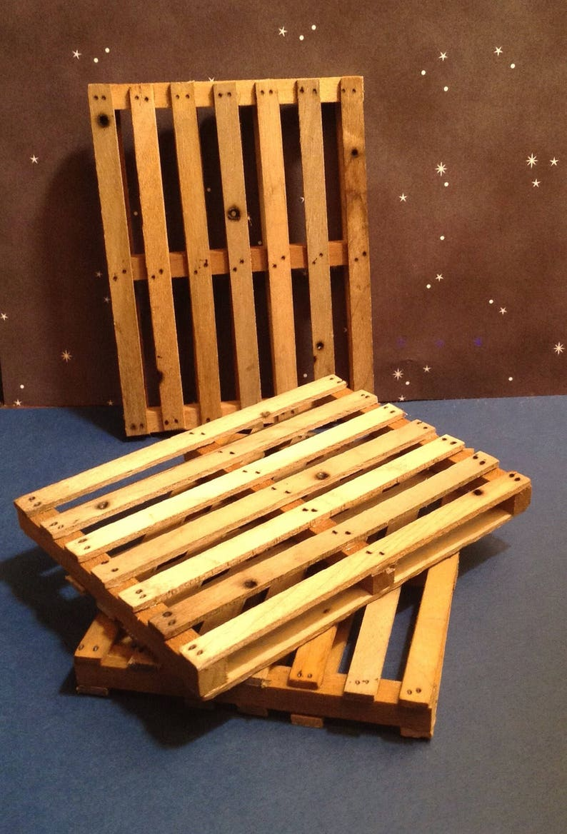 One 1:10 Scale Miniature Shipping Pallet 3