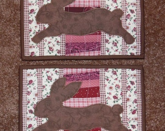 Primitive Whimsical Country Kitchen Quilted FOLK BUNNY RABBITS Snack Mats Hot Pads Table Mats