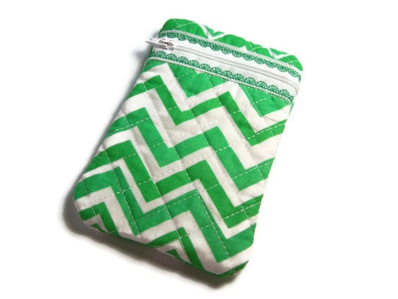 Pochette verte Chevron... Option de monogramme