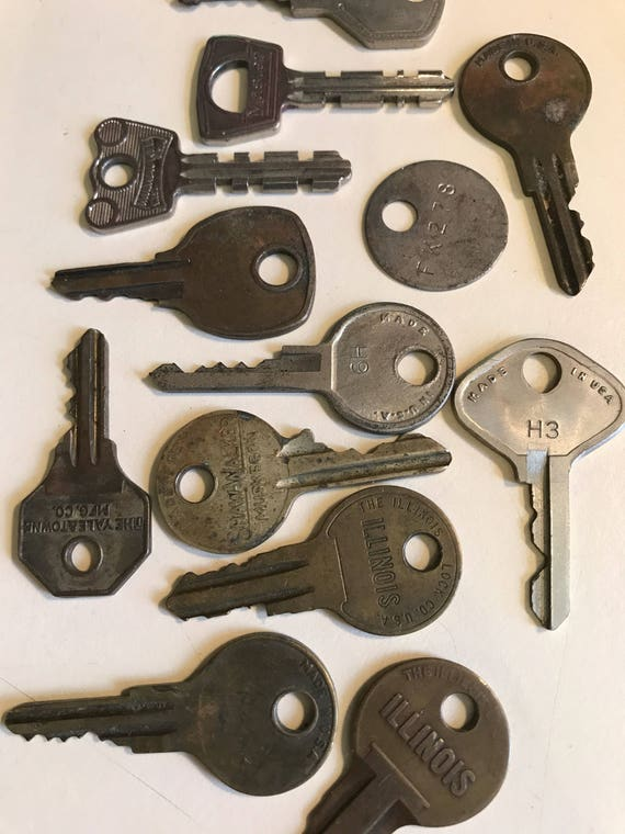 Lot of 12 Vintage Keys for Art Jewelry or Fun