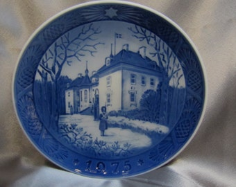 the queens christmas residence 1975 royal copenhagen 7 christmas plate - Royal Copenhagen Christmas Plates