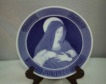 Royal Copenhagen 1920 Christmas Plate, Modonna and Baby Jesus Christmas Plate