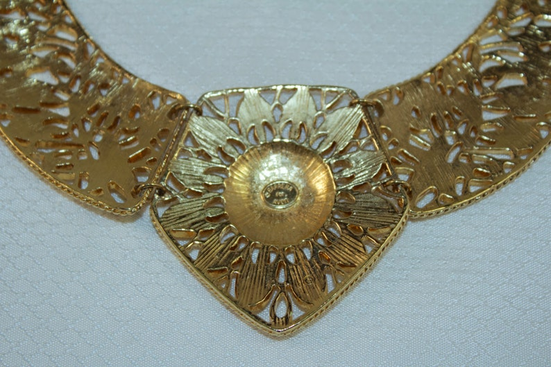 Spanish Style Collection 1989 Jose Barrera for Avon Gold Plated Leaves and Lattice Work Bib Necklace