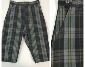 cb3e591b087 Vintage 1950s 1960s Gray Plaid Cotton Check Capri Shorts Pedal Pushers    Women s XXS   50s 60s Resort Wear Pinup Rockabilly