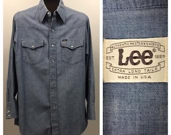 c3ba02fffe7f0 1960s Lee Western Shirt   60s Blue Chambray Denim Button Up Shirt Distressed    Men s Large