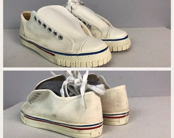 b326c73d453635 Vintage NOS 1960s 1970s All White With Stripes Canvas Basketball Shoes Lace  Up   Boy s 4.5   60s 70s Retro Rockabilly Shoes Unworn
