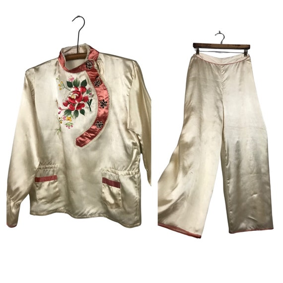 1930s Asian Pajamas Loungewear / Floral Embroidery