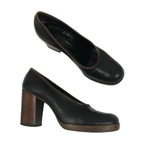 1970s High Heel Shoes / 70s Black Leather Slip On