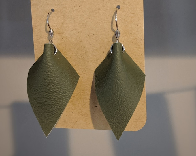 Faux Leather Dangle Earrings - Modern Stylish Faux Leather Accessories for Women - Birthday Gift for Women -  Modern Earrings - Green