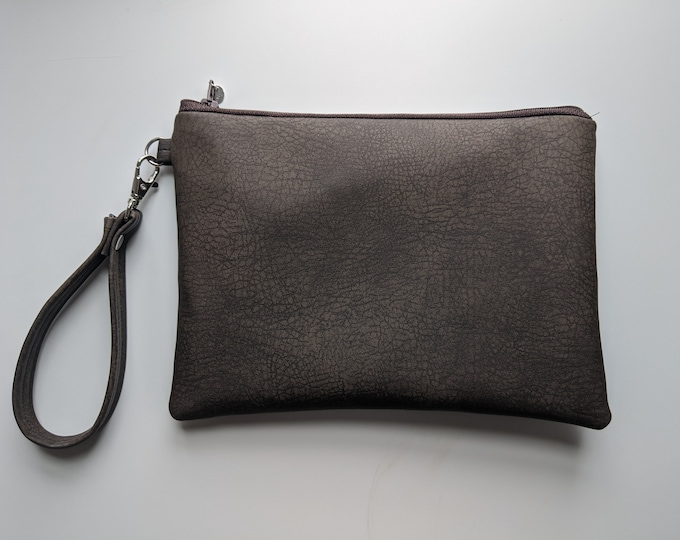 Faux Leather Wristlet for Women - Chocolate Brown Fabric - Handbag Shop -  Wristlet Wallet - Travel Bag - Girls Night Out Gift