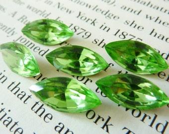 6 glass jewels, 15x7mm, peridot green, navette