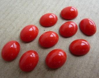 6 Cabochons Glas, 10x8mm, opak rot, oval