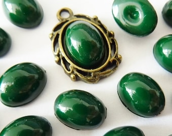 12 acrylic cabochons, 8x6mm, opaque jade green, oval