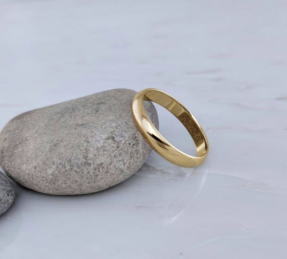 14k Yellow Gold 4mm Engravable Half Round with Edge Band