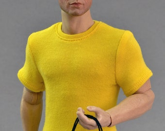 1/ 6th scale yellow T-shirt for ~ 12 inch collectible poseable figures and dolls e.g. Hot Toys TTM 19 Phicen TBLeague M31 M32 M33