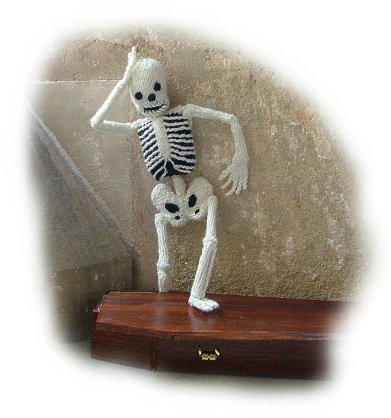 Halloween BONAPARTE SKELETON/'s Clothes by Georgina Manvell TOY PATTERN ONLY
