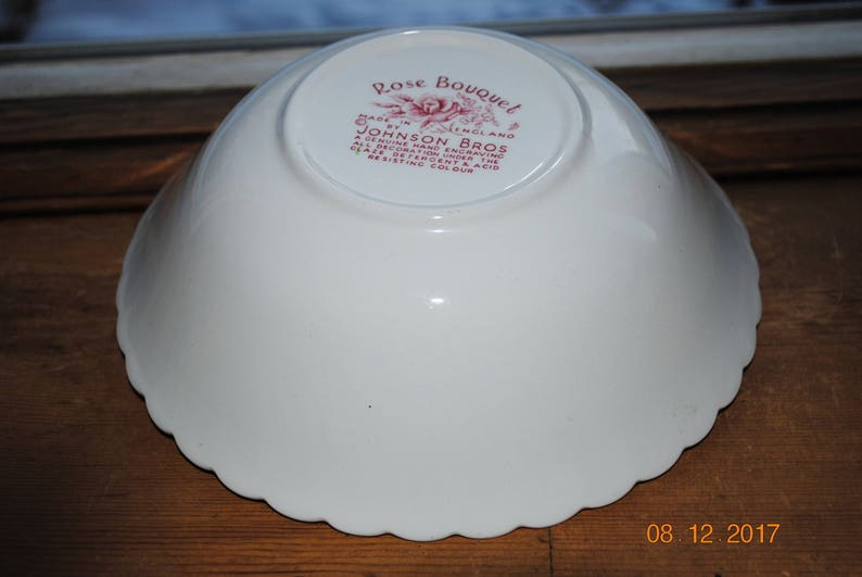 Vintage Johnson Bros Pink Rose Bouquet 8 Round Vegetable Bowl Made in England