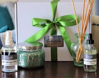 WALT'S WONDERFUL WORLD (Green Clover and Aloe) Fragrance Gift Set - Candle, fragrance spray, diffuser oil gift box