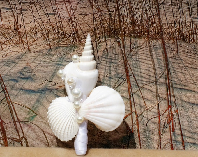White Boutonniere Seashell and Pearl for Groom and Groomsmen, seaside, beach wedding
