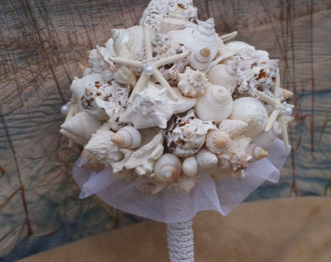 Starfish and Pearl Seashell Bouquet / Ocean Bouquet / Beach Bouquet / Summer Bouquet /  Made to Order