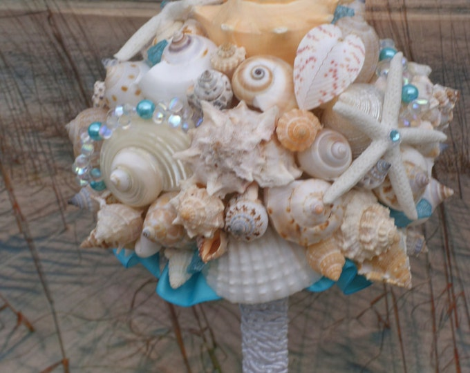 Malibu Blue Turqouise Accent Seaglass and Pearl Seashell Bouquet / Ocean Bouquet / Beach Bouquet / Summer Bouquet /  Made to Order