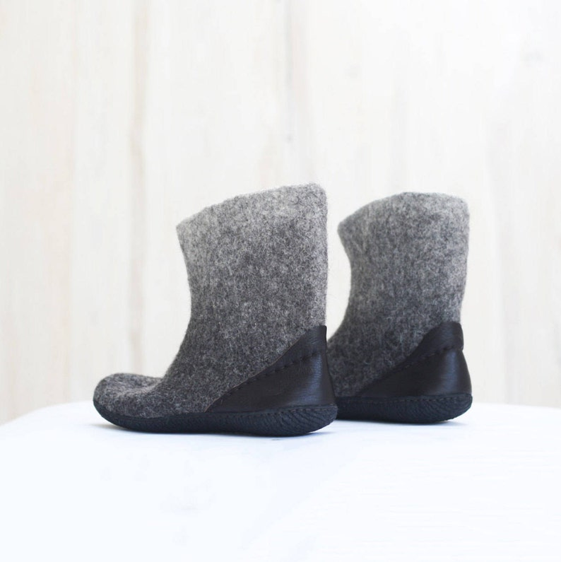 b5ff0c28f4ae7 Grey felted boots for MEN Made of natural wool and leather - Valenki -  Winted booties - Snow shoes - Grey boots - Woolen shoes - Felt shoes