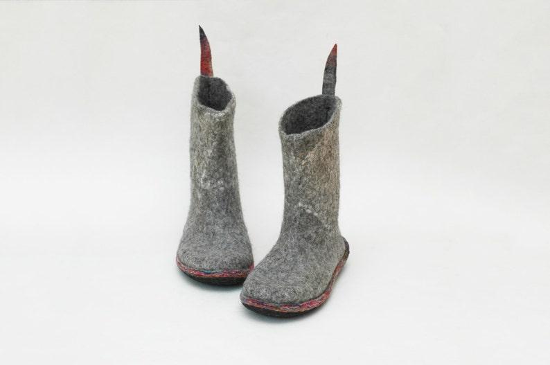 b18adc729fa6b Felt boots - Women boots - Valenki - Grey boots - Handmade booties - Women  snow shoes - Winter boots - Woolen boots - Natural wool