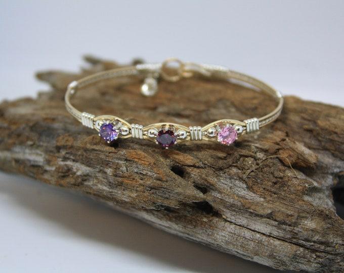 A Mothers Love Bracelet; Mothers day bracelet, Birthstone Bracelet, Mothers Bracelet.