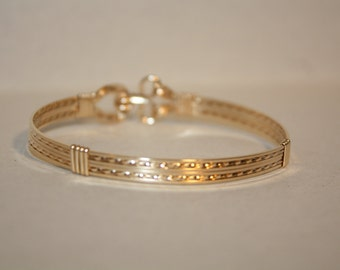 Gold 14kt bracelet bangle