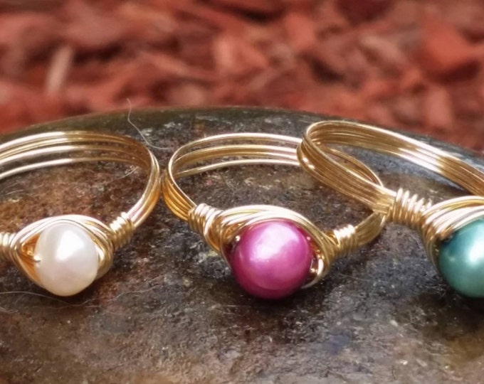 Pearl Rings, gold plated rings, wire jewelry, wire wrapped jewelry, bead rings, freshwater pearls