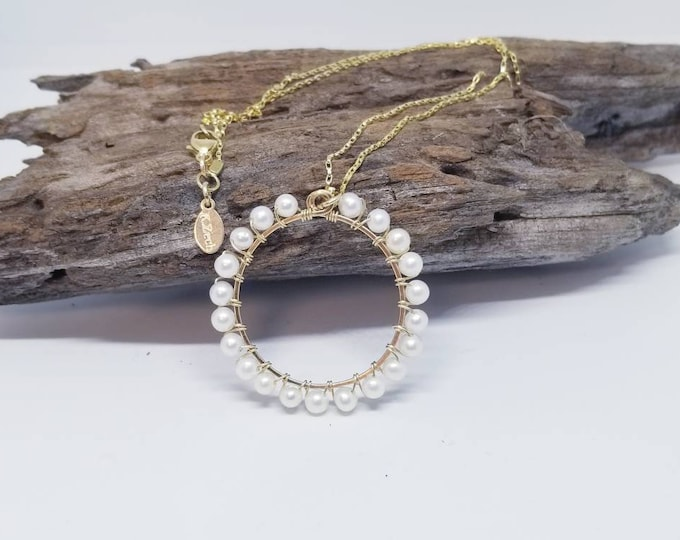 Pearl necklace, gold and Pearl's