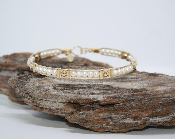 Diana bracelet: Pearls and Gold bracelet