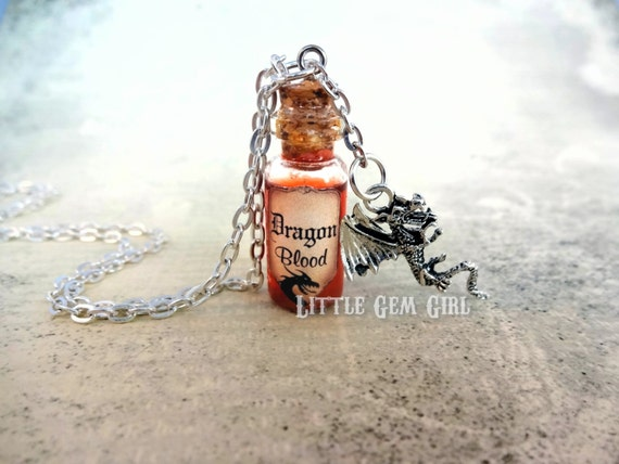 Halloween Jewelry Dragon Blood Necklace Glass Bottle Cork Necklace Potion Vial Charm Red Shimmer Liquid Costume
