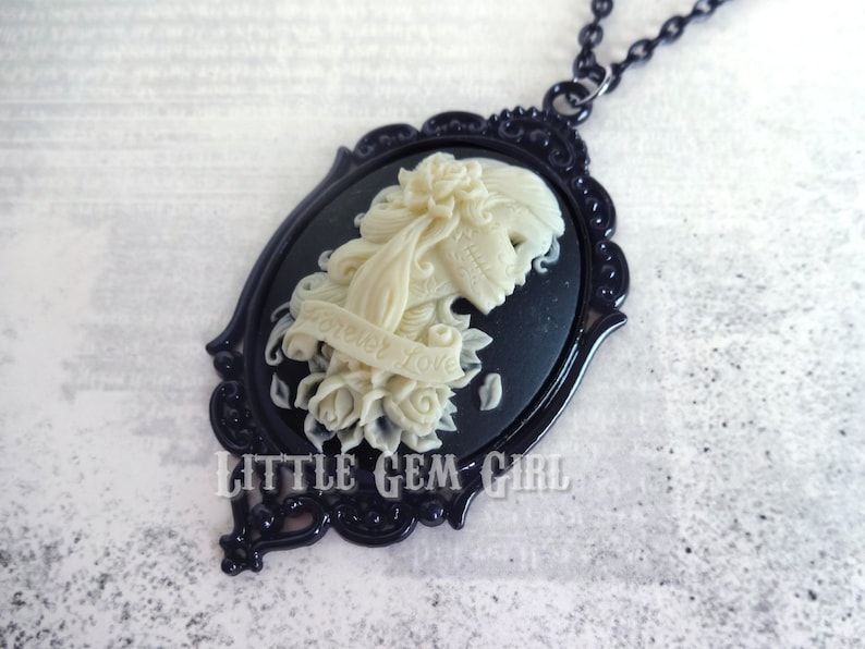 Forever Love Day of the Dead Girl Cameo Necklace Dia De Los Muertos Lolita Jewelry Skeleton Lady Cameo Victorian Gothic Skull Cameo