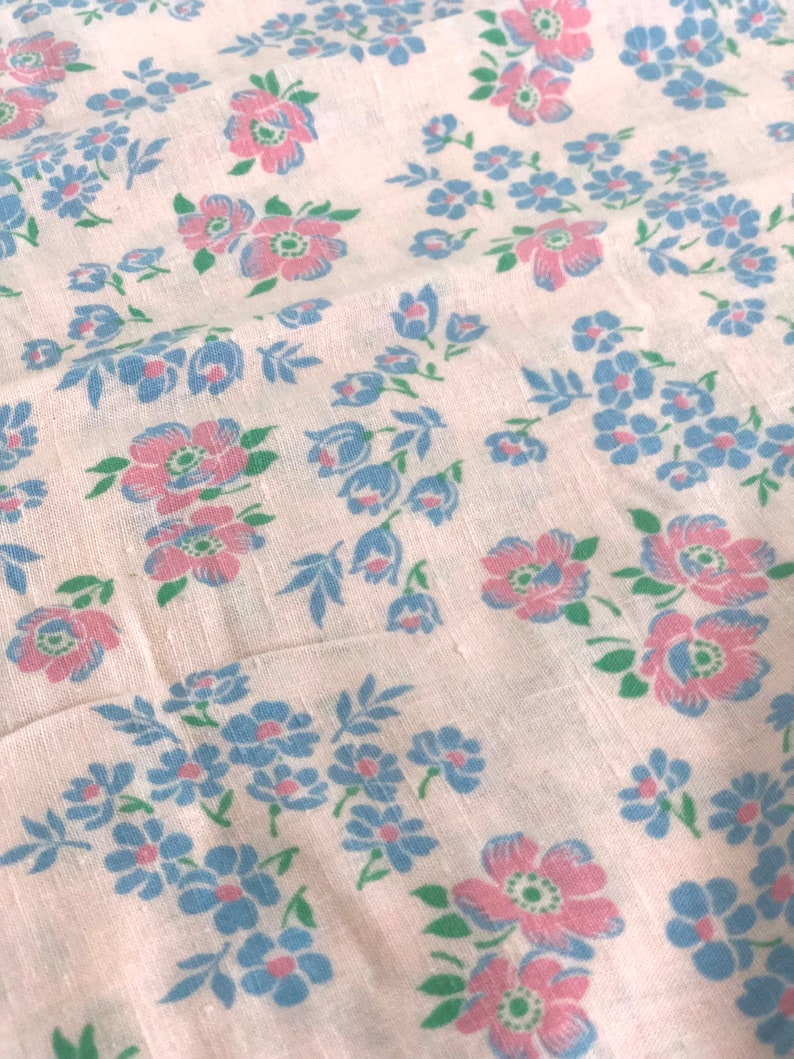 420ac938bb33e Vintage Fabric - Cotton Feed Sack - Flowers on Light Pink - By the Yard x  32