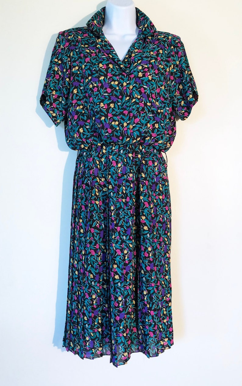 Vintage 80's Working Girl Dress  Size 8  Amazing Floral image 0