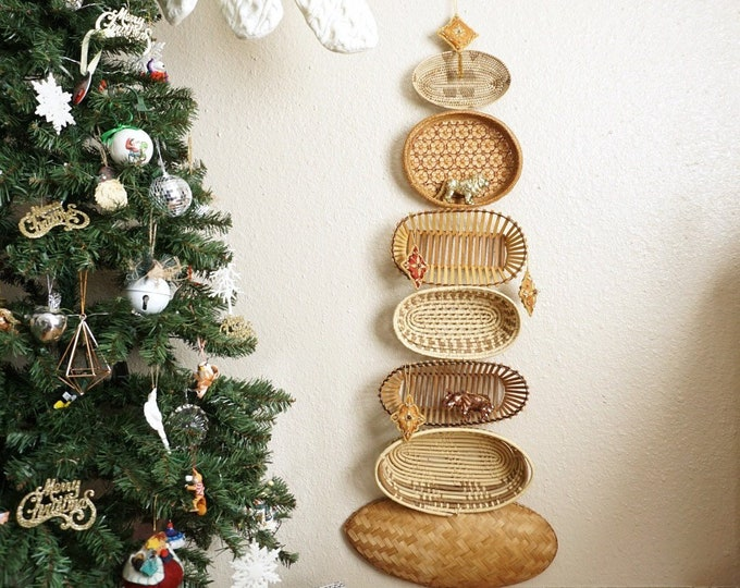 Vintage Set of 7 Oval Intricately Woven Wicker Rattan Wood Wall Hanging Basket Collage