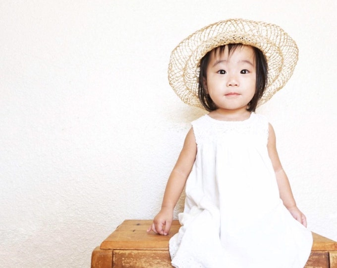 Small Children's Straw Raffia Hat