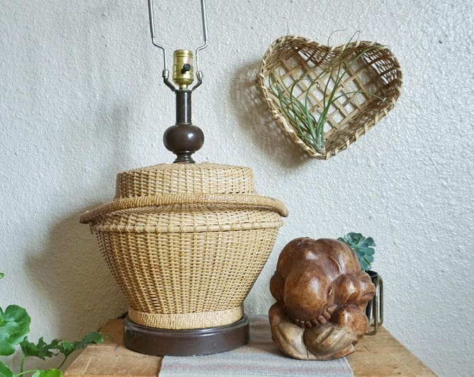 Vintage Wicker Basket Ginger Lidded with Handle Table Lamp