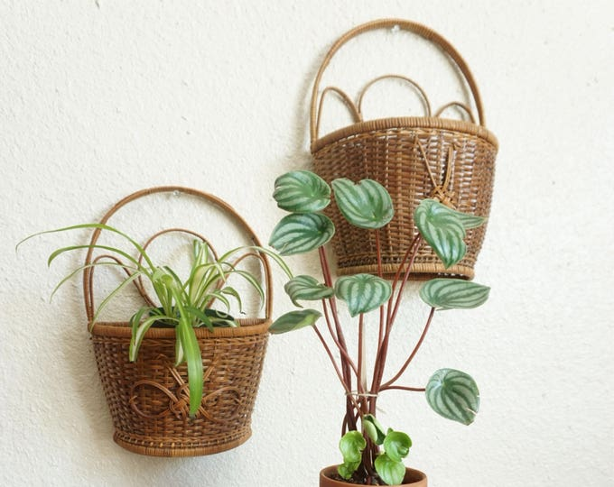Vintage Dark Brown Bamboo Rattan Wicker Wall Basket
