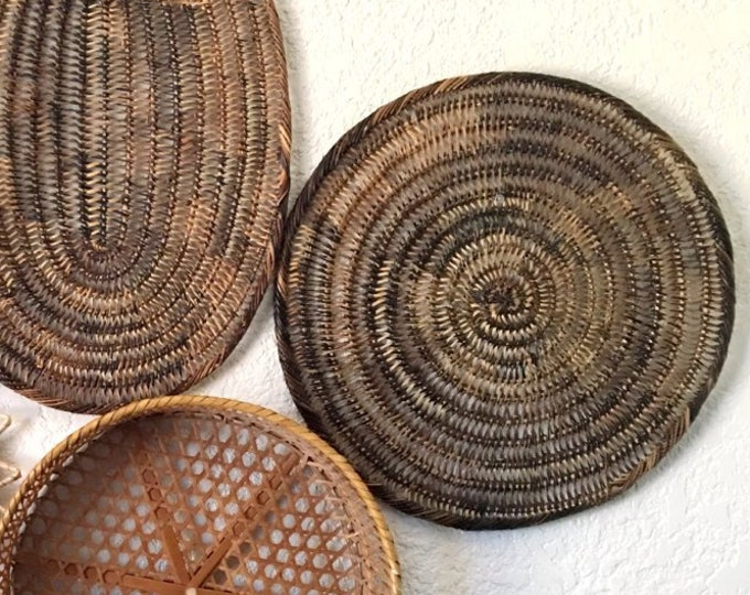 Vintage Round Brown Woven Wicker Basket / Trivet / Charger / Wall Art