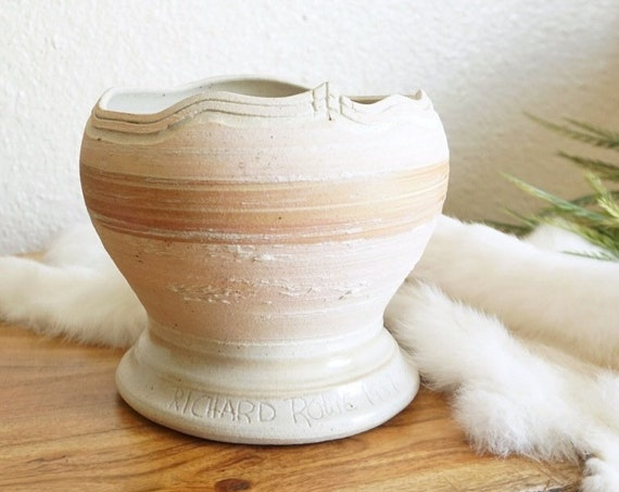 Vintage White and Peach Ceramic Pottery Pot / Vase / Planter / Bowl