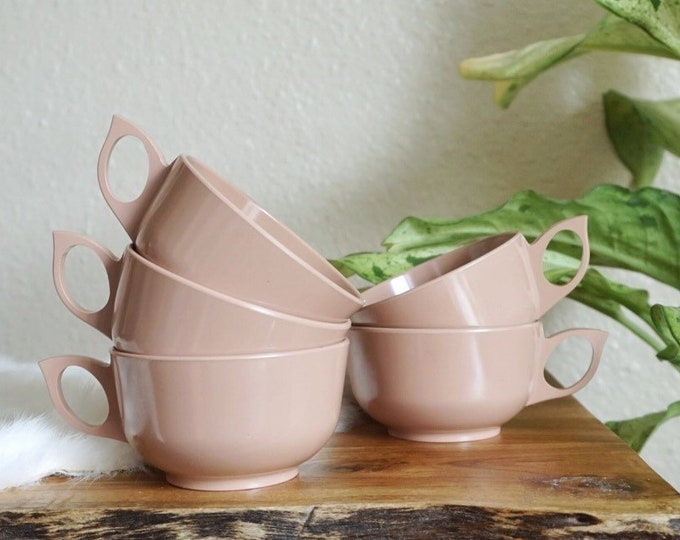 Vintage Mauve Dusty Pink Melmac cup mugs - Set of 5