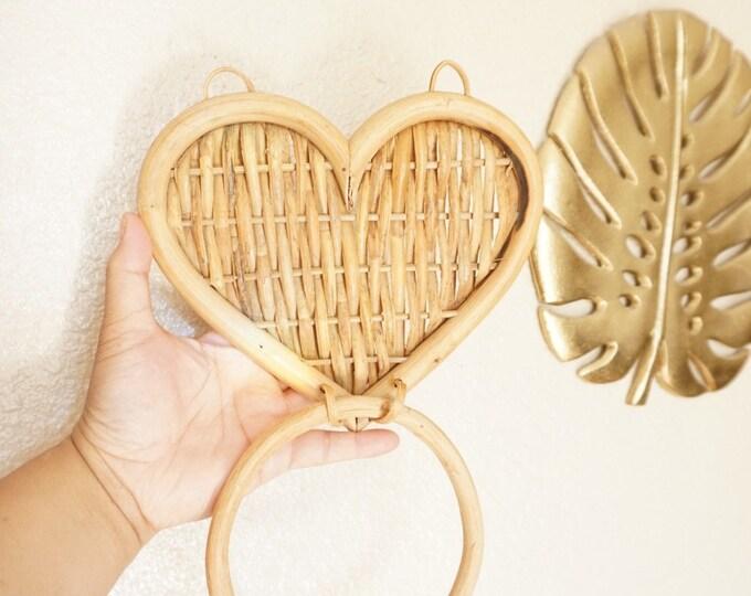 Bohemian Heart Shaped Wicker Rattan Wall Hook Rack
