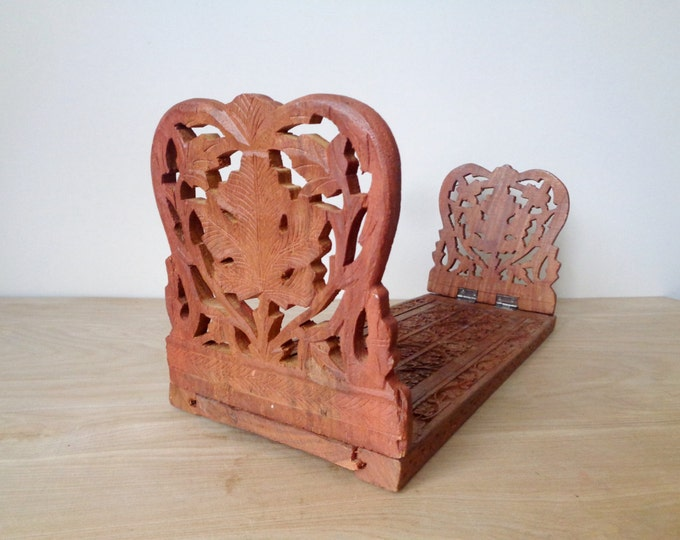 Vintage Hand Carved Floral Sarna Leaves Motif Adjustable Teak Wood Bookend
