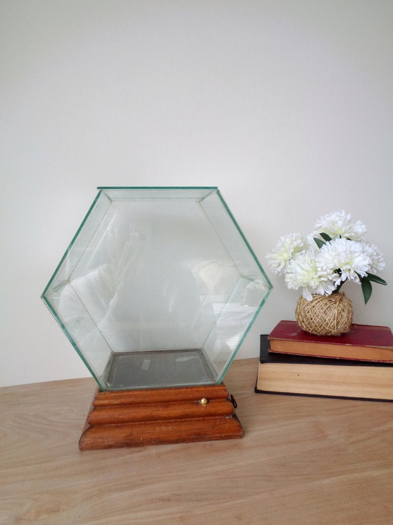 Large Hexagon Shaped Glass House Music Box Display Case Terrarium - Chariots of Fire Theme Song