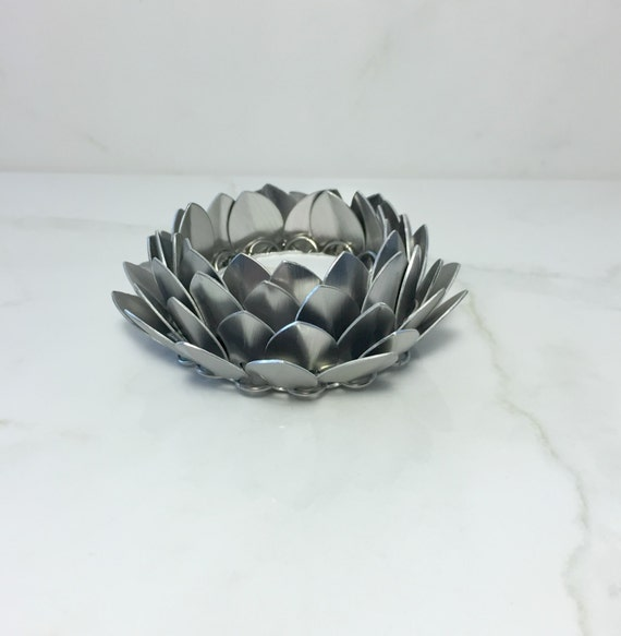 Lotus flower candle holder silver candle holder tea light etsy image 0 mightylinksfo