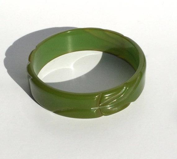 Vintage Bracelet Bakelite Bangle Green Carved Bake