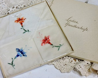 Mint Condition Unused 50s Vintage set of Three Handkerchiefs in Original Box